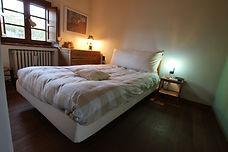 camera delle pecore con letto alla francese e bagno