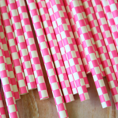 dark pink checkers paper straws