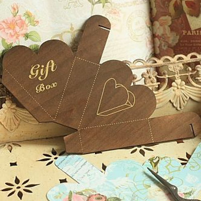 lettre d'amour heart gift box template