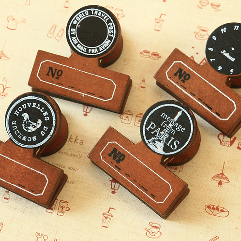 cinq cafe wooden pegs clips