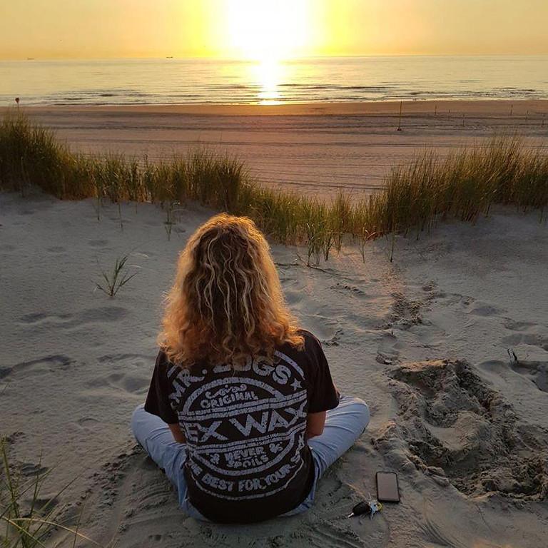les 1 - UITGESTELD. Mindfulness meditatie 8 wekelijkse training  olv Menno Fennema.