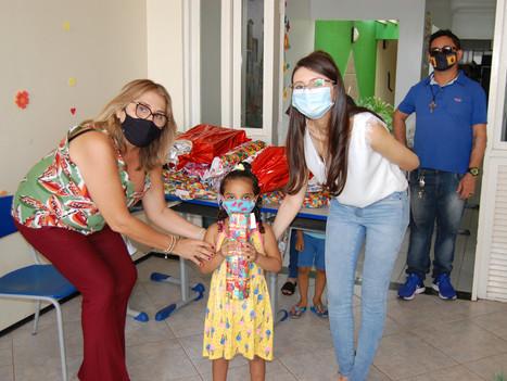 Faculdade R.Sá arrecada brinquedos para o Natal de crianças carentes