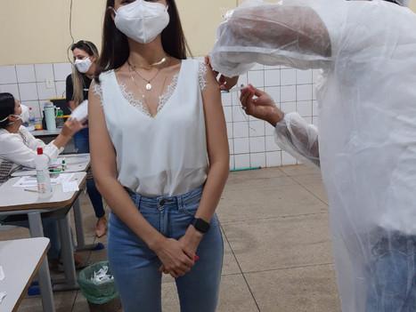 Professores e colaboradores da Faculdade R.Sá são vacinados contra a Covid-19