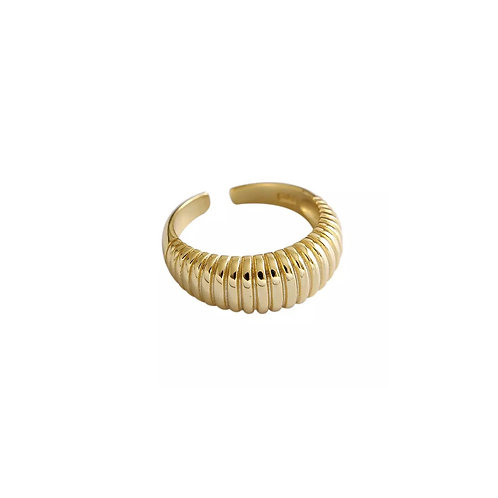 Cleo textured chunky rings