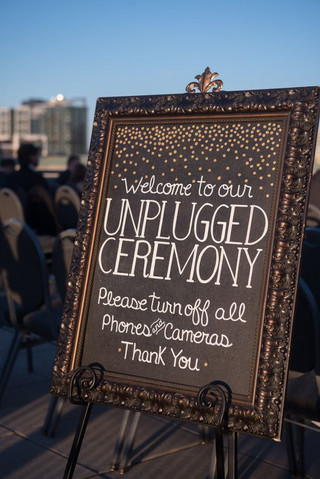 How To Pull Off An Unplugged Wedding