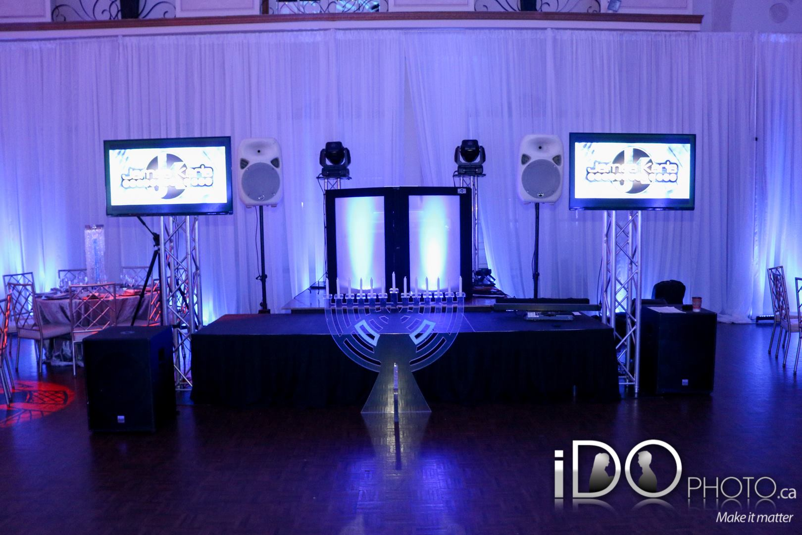 Booth - Screens - Candelabra