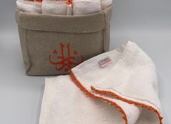 Panier fait main pour 9 serviettes invités brodées