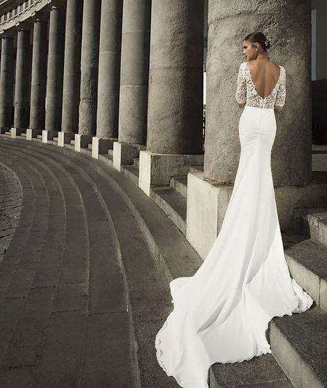 Julie Vino bridal designer