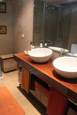 Móvel Wc com 2 lavatórios