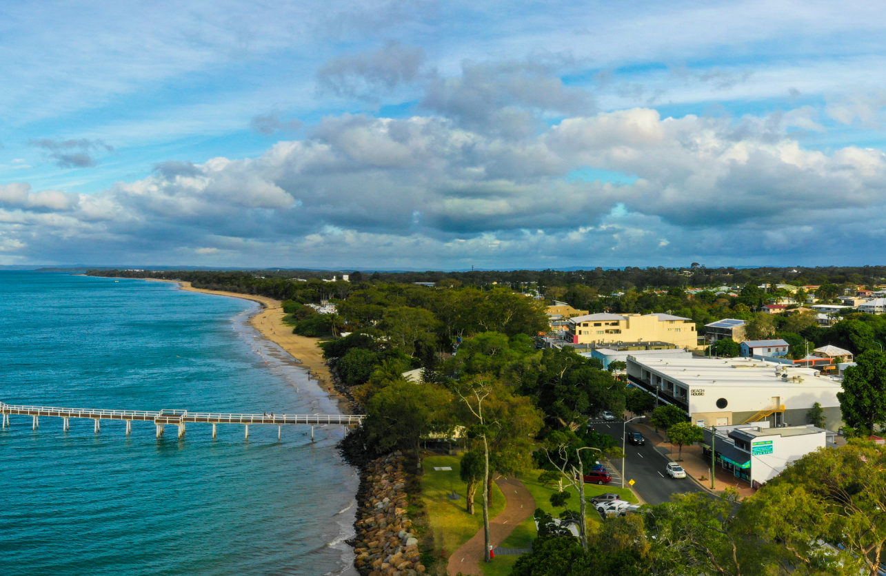 Hervey Bay Escort, Sight seeing with Arm