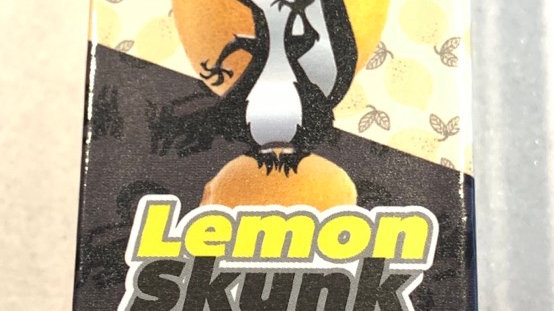 Lemon skunk disposable pen