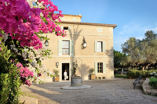 Entrance Main House by Stella Rotger.jpg