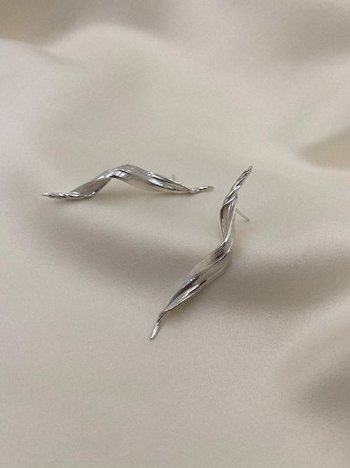 Aggis Swirl Earrings