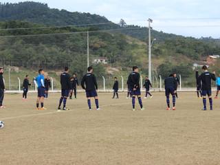 Grupo de jogadores inicia a terceira semana de trabalhos