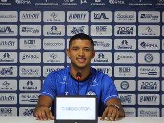 Após passagem no futebol sueco, atacante Zé Vitor está de volta ao Peixe