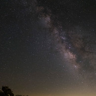 milkyway_over_valley (internet).jpg