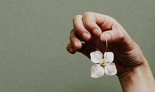 Boucles d'oreilles en papier Diane Cornu - Horticulture papier