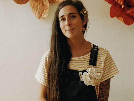 Devenir petite main pour Diane Cornu - Horticulture Papier | Portrait | Flore