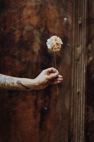 Rose infusion fleur en papier avec sachets de thé recyclés