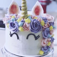 Unicorn Piñata Cake