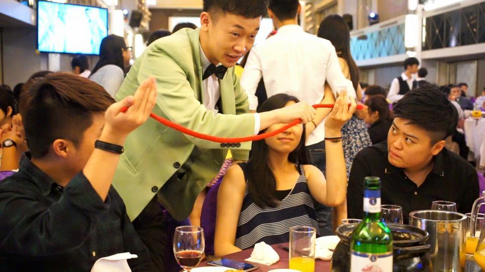 婚禮沿桌魔術表演