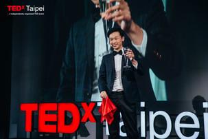 TEDxTaipei演講-不同角度的魔術人生