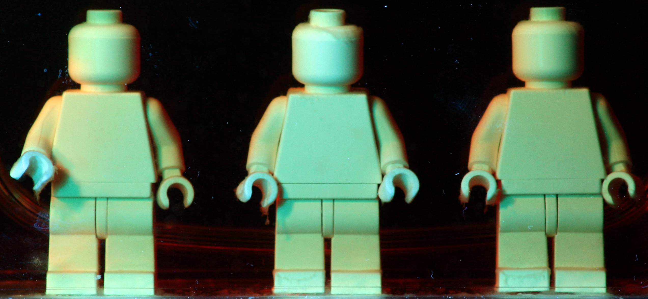 HeLa_On_MiniFigs - Image Credit Andrew Pelling
