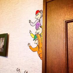 ドアの端からこんにちわ_#エスエフSF#ART#paint#壁