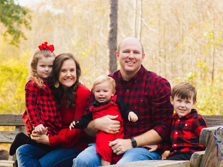 Mechanicsville Outdoor Family Photo Session