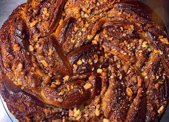 Babka Twist Cake cu alune de pădure - 2kg