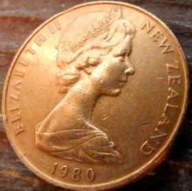 2 Цента, 1980 года,Новая Зеландия, Монета, Монеты, 2Cents1980, New Zealand,Kowhai,Новозеландская софора на монете, Королева Elizabeth II, Елизавета IIна монете, Второй портрет королевы.