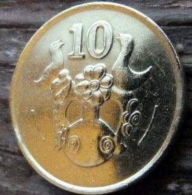10 Центов, 1988 года, Кипр, Монета, Монеты,10 Cents 1988,Cyprus, Пташка, Bird,Птицана монете,Рослинний орнамент,растительный орнамент,floral ornament,Голуб з оливковою гілкою, Pigeon with olive branch,Голубь с оливковой ветвью на монете.