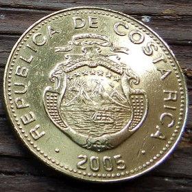25 Колонов, 2005 года,Коста-Рика, Монета, Монеты, 25 Colones2005,Republica de Costa Rica,Гілки дерева,Tree branches,Ветви дерева на монете, Coat of arms ofCosta Rica,Герб Коста-Рикина монете.
