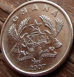 5 Песев, 2007 года, Гана,Монета, Монеты, 5 Pesewas 2007, Ghana, Чоловік з рогом, Man with a horn,Мужчина с рогом на монете, Coat of arms of Ghana,Герб Ганы на монете.