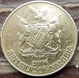 1 Доллар, 2006 года, Намибия, Монета, Монеты, 1 Dollar 2006,  Republic of Namibia, Фауна, Пташка, Орел-скоморох, Fauna, Bird, Eagle, Фауна, Птица, Орёл-скоморох на монете, Coat of arms of Namibia, Герб Намибии на монете.