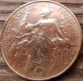 10 Сантимов, 1917 года, Франция,Монета, Монеты, 10 Centimes 1917,RepubliqueFrancaise, France,Woman with child,Женщина с ребенкомна монете, Girl,Девушкана монете.