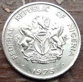 10 Кобо, 1973 года, Нигерия,Монета, Монеты, 10 Kobo 1973, Federal Republic ofNigeria, Flora, Tree, Palm Tree,Флора, Дерево, Пальма на монете, Coat of arms of Nigeria,Герб Нигериина монете.