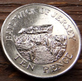 10 Пенсов, 1986 года, Джерси, Монета, Монеты, 10 TenPence 1986, Jersey,Давня кам'яна споруда,Ancient stone building,Древняя каменная постройка на монете,Королева Elizabeth II, Елизавета IIна монете, Второй портрет королевы.