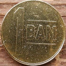 1 Бан,2005 года,Румыния,Монета, Монеты,1 Ban 2005, Romania, Coat of Arms, Герб,Fauna, Фауна, Пташка, Bird,Птица, Eagle, Орел на монете.