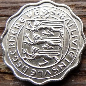 3 Пенса, 1956 года, Гернси, Монета, Монеты, 3 ThreePence 1956, Guernsey,Fauna, Фауна,Cow, Корована монете,Coat of Arms, Герб,Lions, Львы на монете.