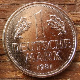 1 Марка,1981 года, ФРГ, Германия, Німеччина,Монета, Монеты, 1 Mark 1981, BUNDESREPUBLIK DEUTSCHLAND,Oak leaves,Дубовые листья на монете,Coat of arms,Герб,Fauna, Фауна, Пташка, Bird,Птица, Eagle, Орел на монете.