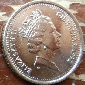10 Пенсов, 1992 года, Гибралтар, Монета, Монеты, 10 Ten Pence 1992, Gibraltar,Здание на фоне скалы, Євро порт, Euro port,Евро порт на монете,Королева Elizabeth II, Елизавета IIна монете, Третийпортрет королевы.