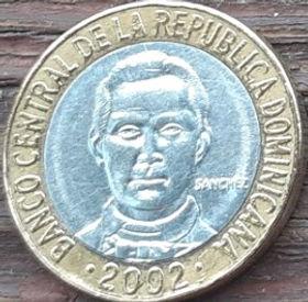 5 Песо, 2002 года, Доминиканская Республика, Монета, Монеты, 5 Pesos 2002, Republica Dominicana,Coat of arms of the Dominican Republic, Герб ДоминиканскойРеспубликина монете,Francisco del Rosario Sanchez,Франсиско дель Росарио Санчес на монете.