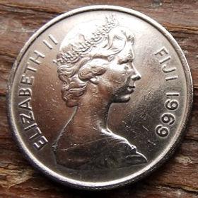 5 Центов, 1969 года,Фиджи, Монета, Монеты, 5Cents1969, Fiji,Lali (Drum),Лали (Барабан) на монете, Королева Elizabeth II, Елизавета IIна монете, Второй портрет королевы.