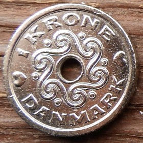 1 Крона, 1995 года, Дания, Монета, Монеты, 1 Krone 1995, Danmark,Crown,Корона,Heart,Сердечко,ВензельКоролевы МаргретыII на монете,Монета с отверстием посередине.
