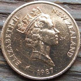 2 Цента, 1987 года,Новая Зеландия, Монета, Монеты, 2Cents1987, New Zealand,Kowhai,Новозеландская софора на монете, Королева Elizabeth II, Елизавета IIна монете, Третий портрет королевы.