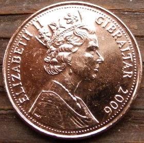 "2 Пенса, 2006 года, Гибралтар, Монета, Монеты, 2 Two Pence 2006, Gibraltar,Operation Torch,Операция ""Факел"",Rock,Скала,Warriors,Воины на монете,Королева Elizabeth II, Елизавета IIна монете, Пятый портрет королевы."