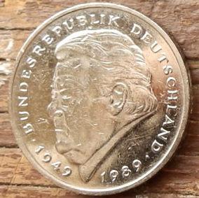 2 Марки,1992 года, ФРГ, Германия, Німеччина,Монета, Монеты, 2 Mark 1992, BUNDESREPUBLIK DEUTSCHLAND,Coat of arms,Герб,Fauna, Фауна, Пташка, Bird,Птица, Eagle, Орел на монете, Франц Йозеф Штраусна монете.