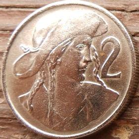 2 Кроны, 1947 года,Чехословакия,Монета, Монеты,2 Krones1947, Republika Ceskoslovenska,Juraj Janoszyk,Юрай Яношикна монете,Coat of Arms, Герб,Fauna, Фауна,Lion, Левна монете.
