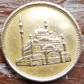 10 Пиастров, 1992 года, Египет, Монета, Монеты, 10 Piastres 1992,  Egypt,Muhammad Ali Mosque, Мечеть Мухаммеда Алина монете.